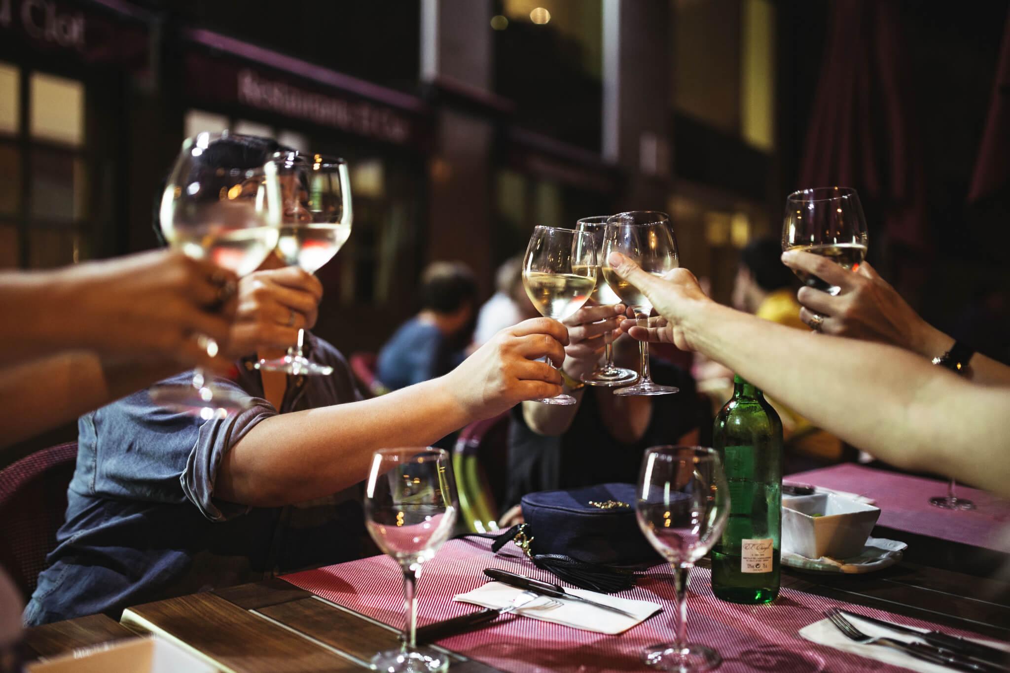 foodiesfeedcom_toast-with-white-wine